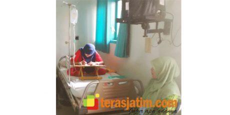 Tangan Diinfus Karena DB, Siswi SMP di Banyuwangi ini Kerjakan Soal Unas di Rumah Sakit