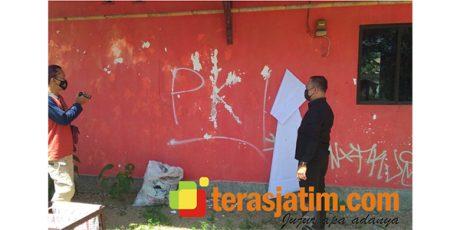Kantor DPC PDIP Pacitan Diserang Aksi Vandalisme Bertuliskan 'PKI'