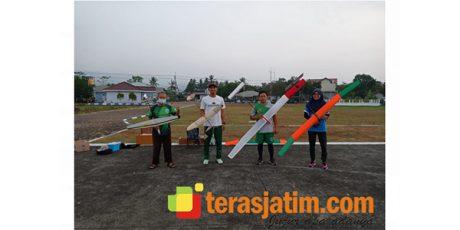 4 Atlet Tim PON Aeromodelling Jatim Uji Coba Angin Pacitan