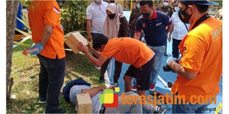 Pelaku Pembunuhan Wanita Setengah Telanjang di Patok Koang Pacitan Jalani Rekonstruksi