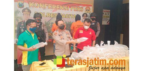 2 Kurir Benur Ilegal Senilai Rp200 Juta Ditangkap di Punung Pacitan, 1 Orang Buron