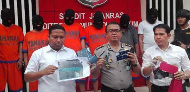 Palak Belasan Perusahaan Ekspedisi, Komplotan 'Sakram' Dikandangkan Polisi