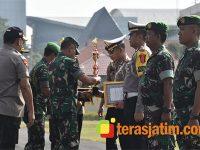 Pangdam Brawijaya Beri Penghargaan Personel TNI-Polri