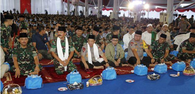 Panglima TNI dan Kapolri Lakukan Safari Ramadhan di Surabaya