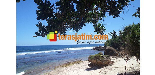 Pantai Parang Sewu Bakung, Surga Tersembunyi di Perbukitan Blitar Selatan