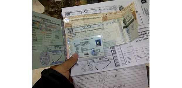 Pemprov Jatim Bebaskan Denda Pajak Kendaraan dan Biaya Balik Nama