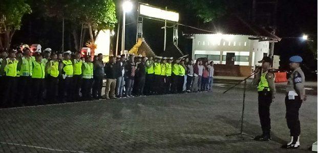 Pengamanan Malam Suroan di Trenggalek, Aparat Kedepankan Sikap Humanis