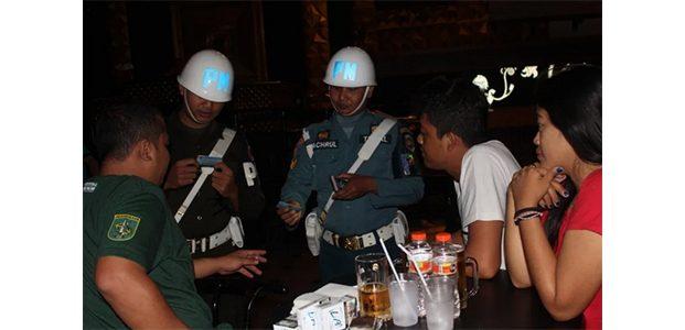 Petugas Gabungan Gelar Operasi di Sejumlah Tempat Hiburan Malam di Surabaya