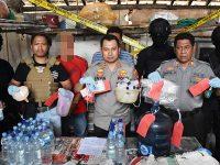 Polisi Gerebek Home Industri Miras Oplosan di Watulimo Trenggalek
