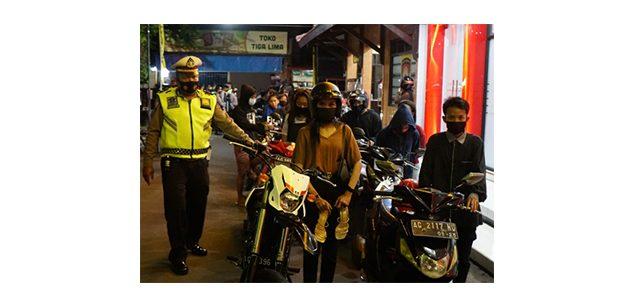 Razia di Komplek Makam Bung Karno, Polres Blitar Kota Amankan 25 Kendaraan Tak Standar