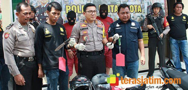 Polres Blitar Kota Bekuk 3 Pelaku Pembobol Rumah Kosong asal Palembang