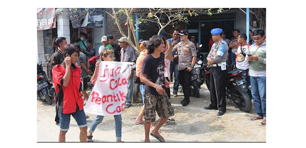 Polres Bojonegoro Amankan Unras Tolak Pelantikan Perades di Glagahwangi