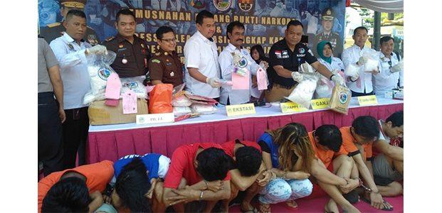 Polrestabes Surabaya Musnahkan BB Kasus Narkoba