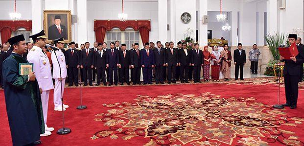 Presiden Lantik Anies-Sandi Sebagai Gubernur dan Wakil Gubernur DKI Jakarta 2017-2022
