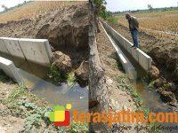 Proyek Drainase di Tegalrejo Widang Tuban, Pengerjaannya Diduga Asal-Asalan