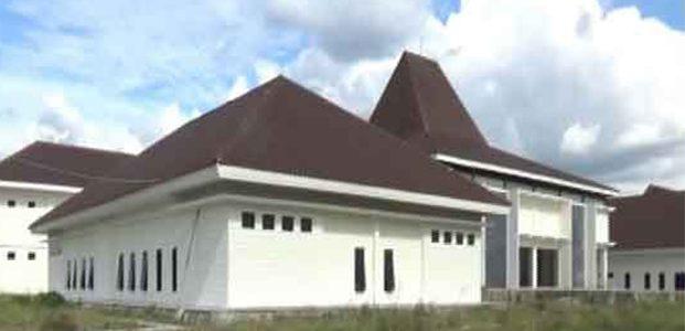 Proyek Pembangunan Gedung DPRD Kota Madiun Terancam Molor
