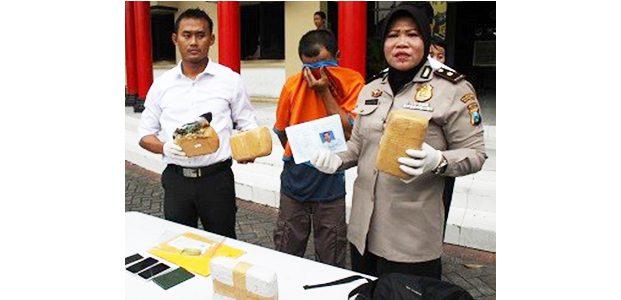 Pulang Kulakan Ganja, Bandar Besar Disergap Polisi di Stasiun Pasar Turi