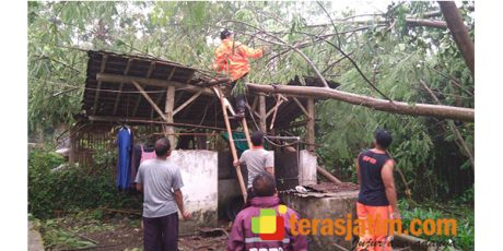 Puting Beliung Sasar Wilayah Talun Blitar, 8 Rumah dan 1 Mushala Rusak