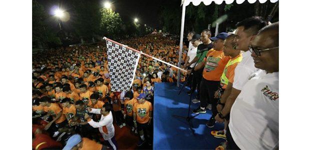 RIbuan Warga Surabaya Ikuti Night Run 5K HPN 2019