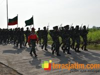Ratusan Pasukan Infanter Ikuti Gerak Jalan Yudha Wastu Pramuka Jaya di Trowulan Mojokerto