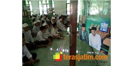 Ratusan Santri di Blitar, Gelar Shalat Ghaib untuk Alm KH Hasyim Muzadi