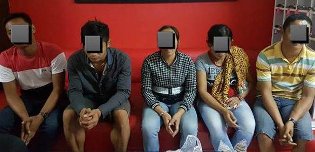 Razia Warung, Polres Gresik Gelandang 2 PSK dan 3 Pria Hidung Belang