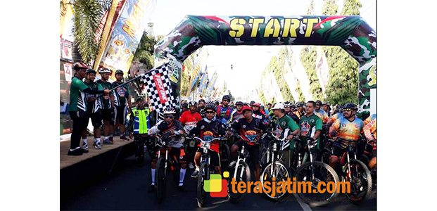 Ribuan Masyarakat Ikut Acara Fun Bike di Makodim Jember