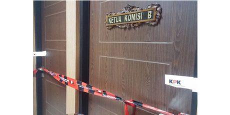 Ruang Ketua Komisi B DPRD Jatim disegel KPK