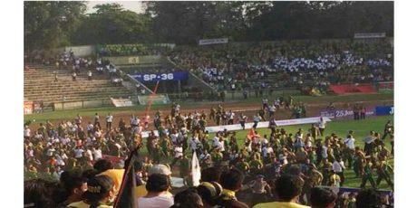 Akibat Rusuh Suporter Persegres-PS TNI, Komdis ISC Jatuhkan Sanksi