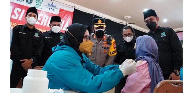 Kejar Target Vaksinasi 70 Persen, Polresta Sidoarjo Gandeng Pagar Nusa
