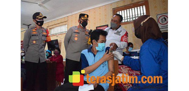 1.156 Warga Binaan Lapas Kelas II A Sidoarjo Disuntik Vaksin Covid-19