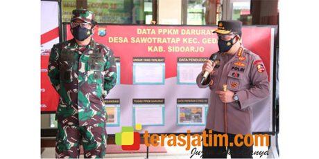 Panglima TNI Bersama Kapolri Tinjau Posko PPKM Darurat di Desa Sawotratap Sidoarjo