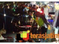 Tabrak Bak Belakang Tronton, Pengendara Motor di Sidoarjo Meregang Nyawa