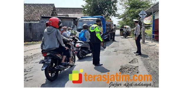 Dahului Dump Truk, Pria Asal Krian Tewas di Wonoayu Sidoarjo