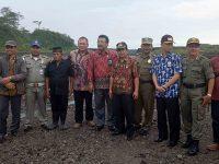 Satpol PP Jatim Mediasi Kasus Tambang Pasir di Blitar dan Kediri
