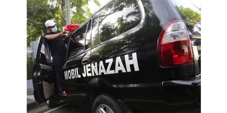 Pemkot Surabaya Sulap 14 Mobil Dinas Jadi Mobil Jenazah Covid-19