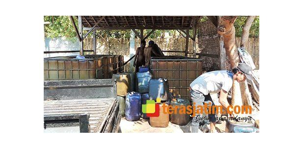 Sebuah Rumah Kosong di Situbondo, Diduga Jadi Tempat Penimbunan BBM