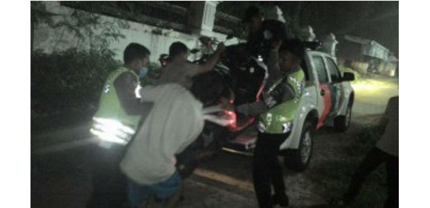 Sedang Razia Balapan Liar, Polisi di Kediri Ditabrak Hingga Patah Kaki