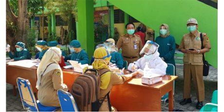 Seorang Guru Meninggal Akibat Corona, Puluhan Guru di Dolopo Madiun Jalani Rapid Test