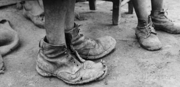 Elegi Sepatu Butut
