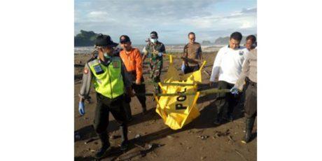Sesosok Mayat Ditemukan Terdampar di Pantai Konang Trenggalek
