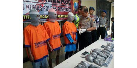 Simpan Bubuk Bahan Peledak, 3 Orang Diamankan Polisi