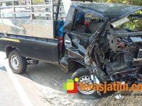Sopir Mengantuk, Sebuah Pick Up Hajar Truk di Jalan Raya Ngawi – Caruban