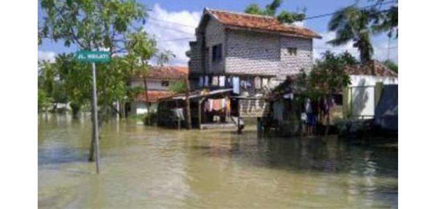 Sungai Kemuning Sampang Meluap, Rumah Warga Kebanjiran