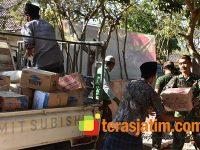 TNI-Polri Kirim Bantuan Bahan Makanan ke 14 Desa di Pulau Sapudi