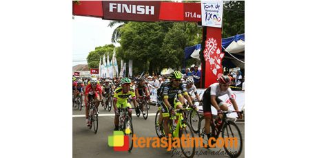 Pembalap Korea  Juarai 'Internasional Tour De Banyuwangi Ijen' Etape Pertama