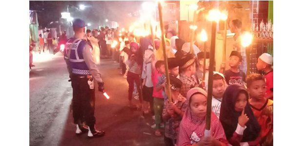 Takbir Keliling Membawa Oncor, Tradisi Yang Masih Lestari di Semen Kediri