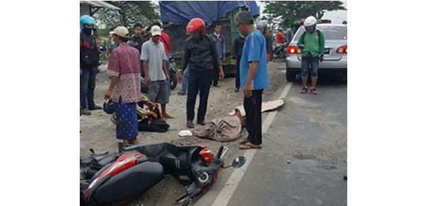 Terjatuh dari Motor, Siswi SMU di Duduksampeyan Gresik Tewas Terlindas Dump Truk