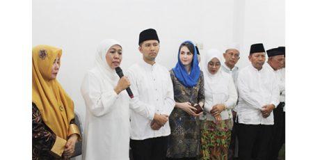 Tiba di Surabaya, Khofifah-Emil Langsung Sowan Kyai