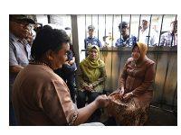 Wali Kota Surabaya Kunjungi Keluarga KPPS yang Meninggal